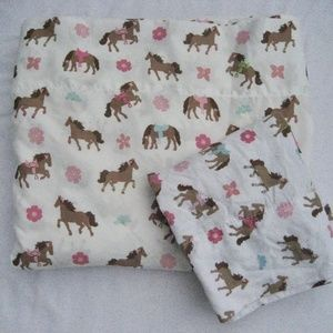 Pretty Horses Twin Flat Sheet and Pillowcase Pink